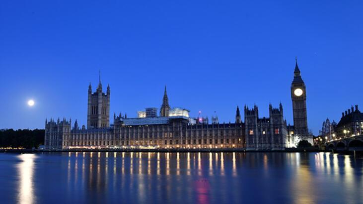 Birleşik Krallık Parlamentosu'nda porno çılgınlığı!