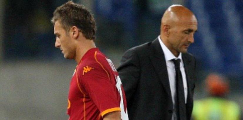 Roma'da Spaletti ve Totti birbirine girdi