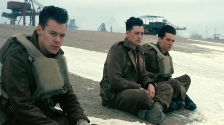 """Dunkirk incelemesi: """"Hayatta kalmak zaferdir"""""""