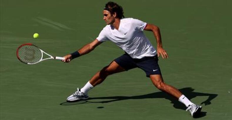 Federer Djokovic'i dağıttı