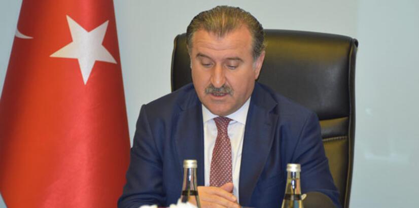 Osman Aşkın Bak: 'Kimsenin  tribünleri politikaya alet etmesine izin vermeyeceğiz'