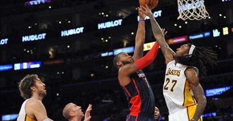 Hill rekor kırdı, Lakers kazandı