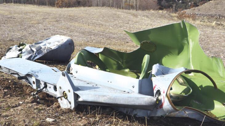 F-16 PİLOTU UÇUŞTA YAKIT TANKINI ATARAK KURTULDU