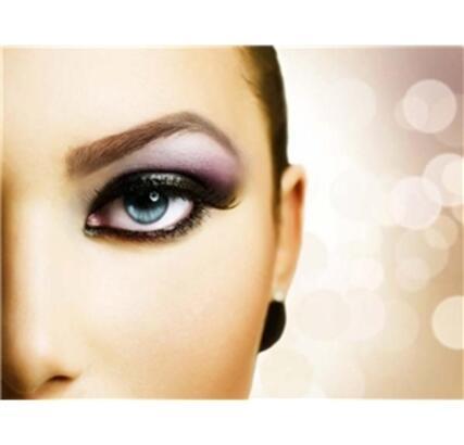 Renkli kontakt lenslerin özellikleri