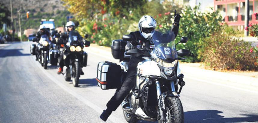 Barış motorcuları Çeşme'den geçti