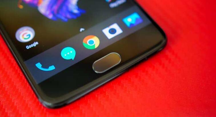 OnePlus 5'e yüz tanıma sistemi ve Android Oreo geliyor
