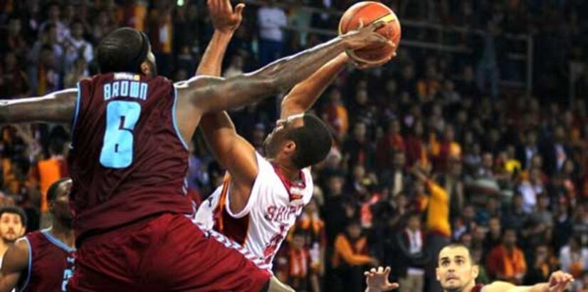 Trabzonspor Medical Park-Galatasaray Liv Hospital maçı ertelendi
