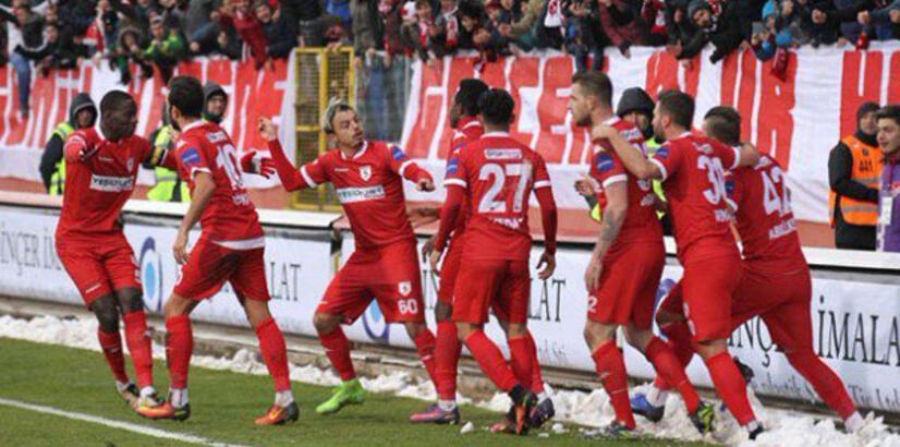 Samsunsporlu futbolculardan deplasman protestosu