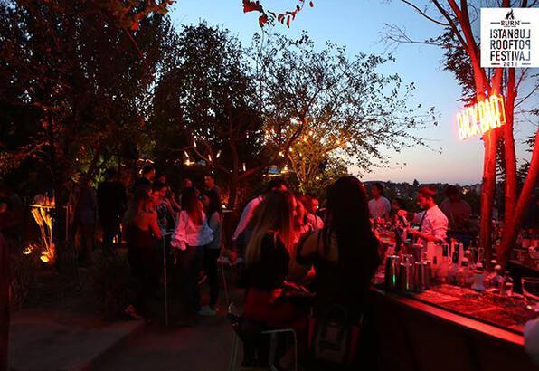 Burn Rooftop Festival: 1 gecede 11 ayrı mekanda müzik festivali!