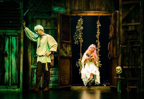 """Baba Sahne perdesini """"Bir Baba Hamlet"""" ile açıyor"""