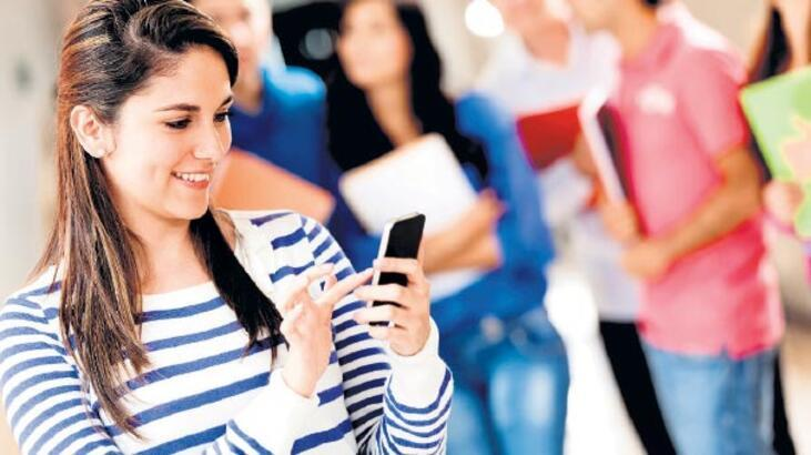 Mobil abone sayısı nüfusla yarışıyor