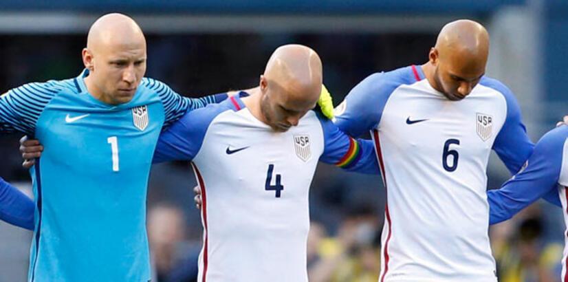 ABD futbol takımı kaptanı sahaya gökkuşağı pazupandıyla çıktı