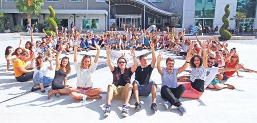 Yaşar'da 31 ülkeden öğrenciler buluştu
