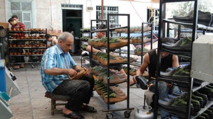 İzmirli ayakkabıcılardan ücretlerine zam talebi