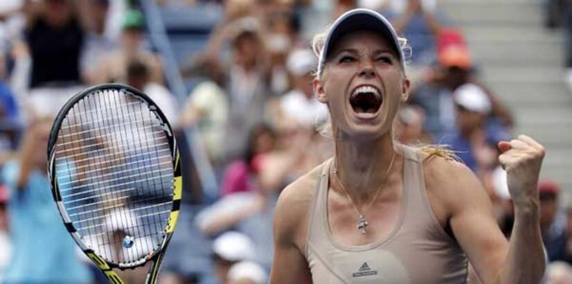 Wozniacki şah, Sharapova mat!