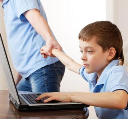 Çocuklar internette tehlikeli içeriğe erişmenin yolunu buluyorlar -  Milliyet Çocuk