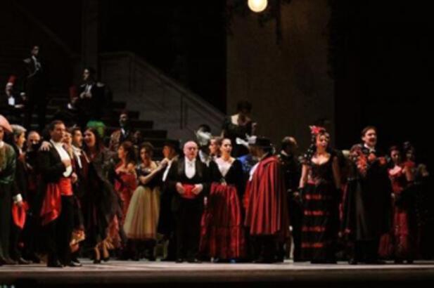 """Ferzan Özpetek'in """"La Traviata""""sı izleyiciyle buluştu!"""