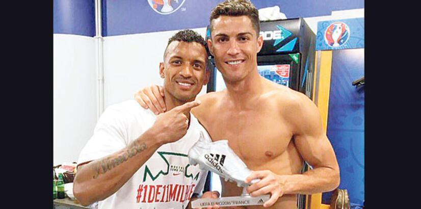 Ronaldo'dan Nani'ye jest