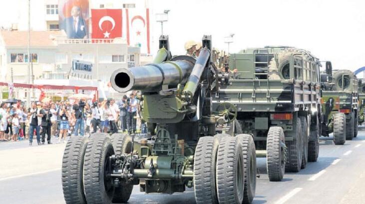 Kuzey Kıbrıs'ta askeri törenler 'sivilleşiyor'