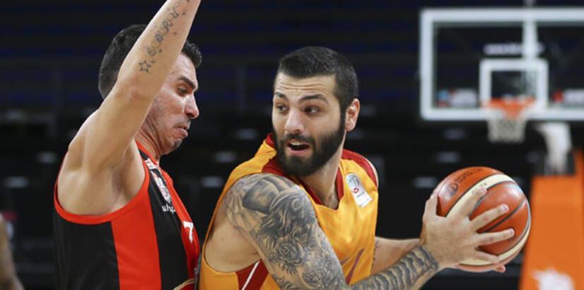 Galatasaray Odeabank evinde Muratbey'i geçti...