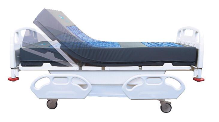 Türk tasarımcılar yatalak hastaya özel yatak üretti