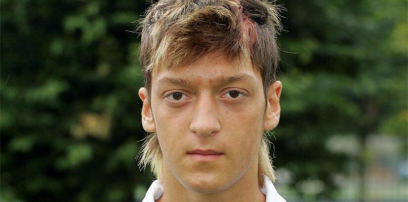 Schalke 04'ün en büyük harikası Mesut Özil