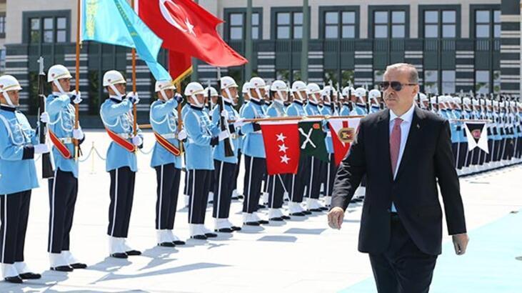 Erdoğan: Putin'in darbe girişminde hızlı desteğinden memnunum