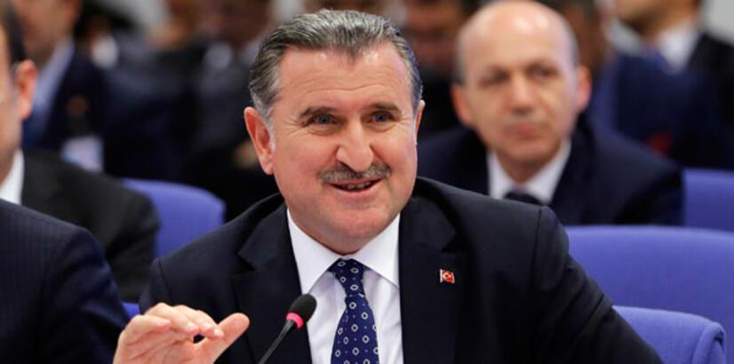 """Spor Bakanı Osman Aşkın Bak'tan """"yabancı oyuncu"""" açıklaması!"""