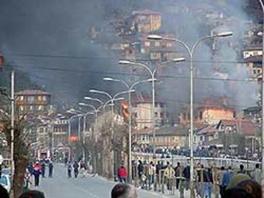 Kosova'da durum normal, 1 günlük yas ilan edildi