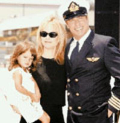 Travolta  pilot oldu