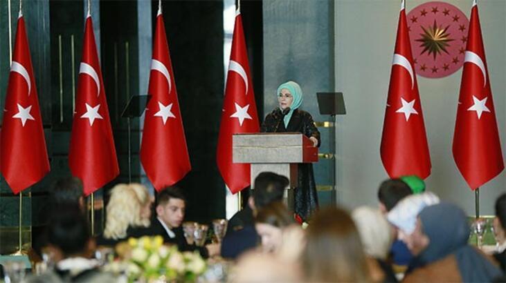 Emine Erdoğan'dan koruyucu aile çağrısı