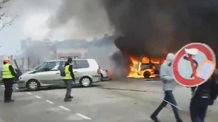 Fransa'da polisten sert müdahale! O anlar anbean kaydedildi