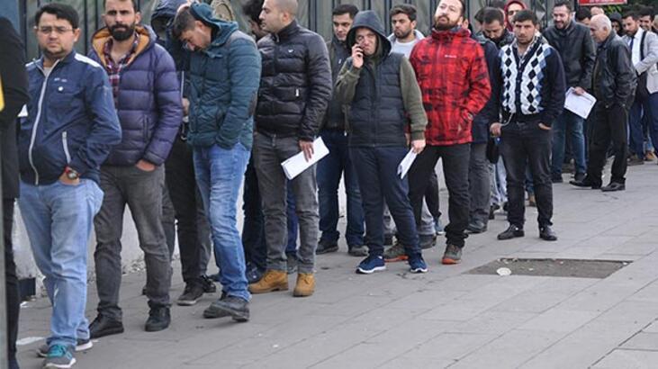 Ankara'da bedelli askerlik kuyruğu 1 kilometreyi buldu