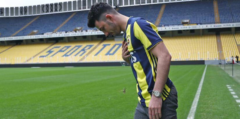 """Tolgay Arslan: """"Futbolu Fenerbahçe'de bırakmak istiyorum"""""""