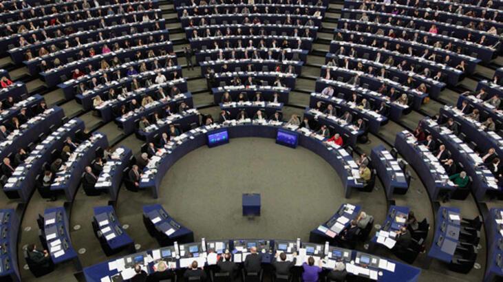 Son dakika... Avrupa Parlamentosu da Guaido'yu tanıdı!
