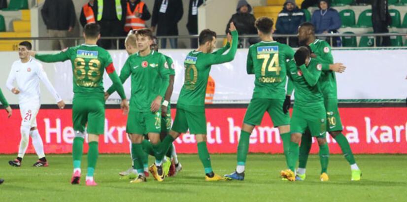 Evinde kral Akhisarspor'un konuğu Konyaspor
