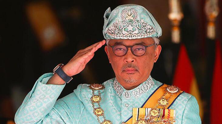 Malezya'nın yeni kralı görevine başladı