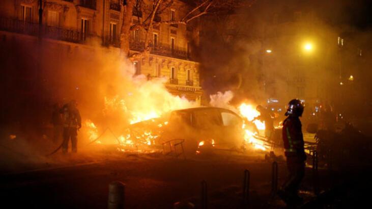Fransa'daki Sarı Yelekler protestosunda 80 yaşında bir kadın öldü