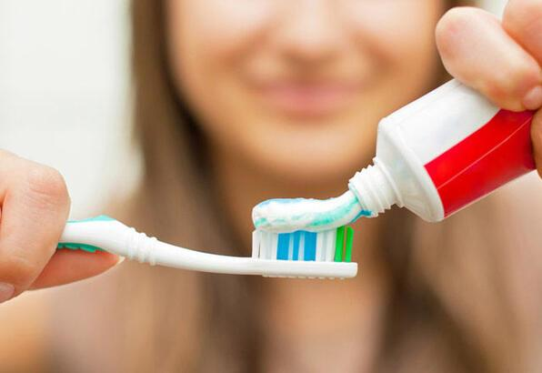 Diş fırçası kullanırken nelere dikkat edilmeli?