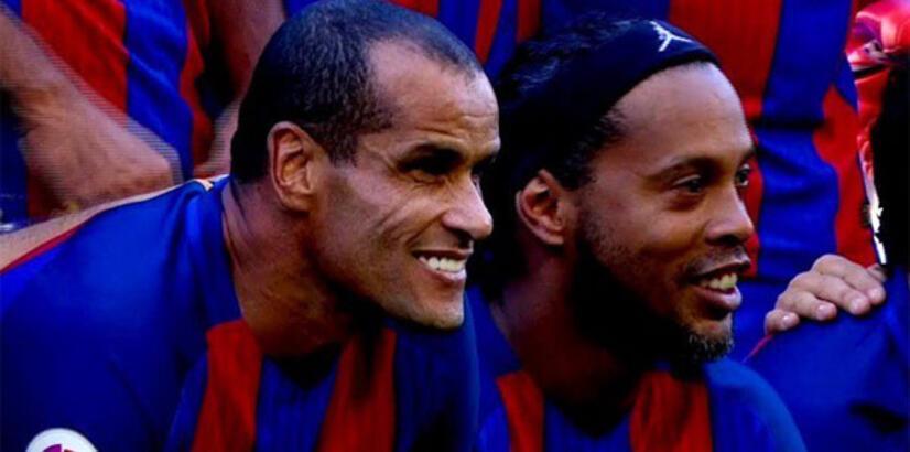 Barcelona, Ronaldinho ve Rivaldo'yla yollarını ayırabilir!