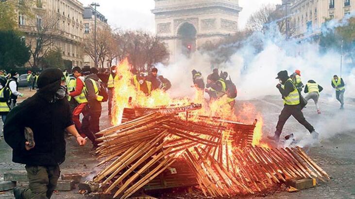Sarı yelekliler Paris'i yaktı!