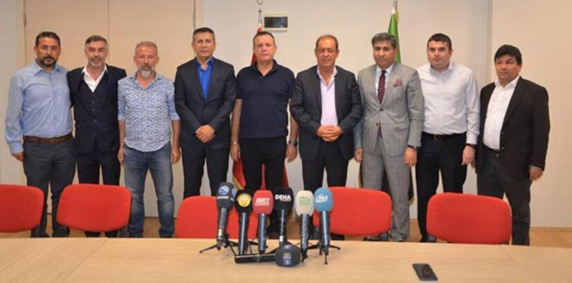Denizlispor'da Yücel İldiz resmen imzayı attı