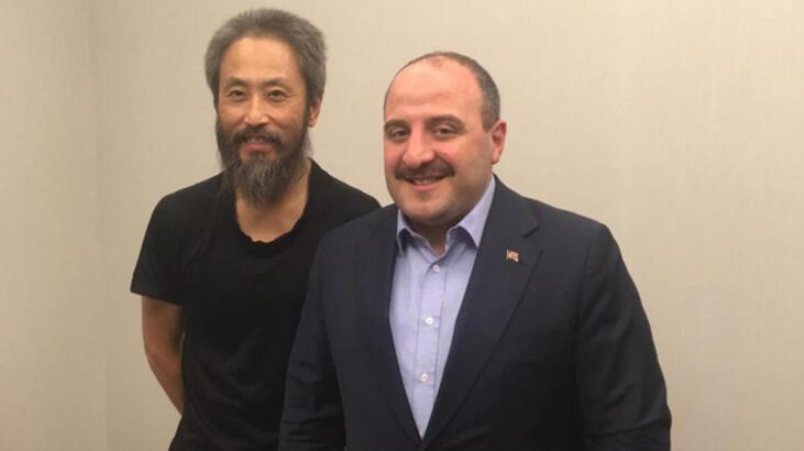 Japon gazeteciden Bakan Varank'a teşekkür
