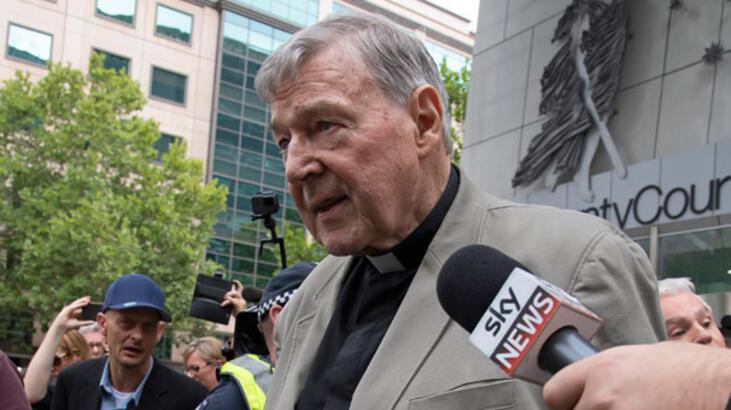 Katolik Kilisesi'nin eski 'üç numarası' cinsel tacizden suçlu bulundu