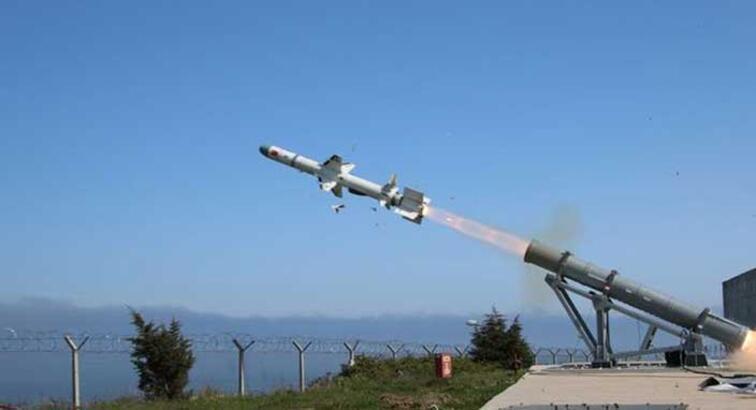 Türkiye'nin ilk deniz füzesi Atmaca seri üretime geçiyor