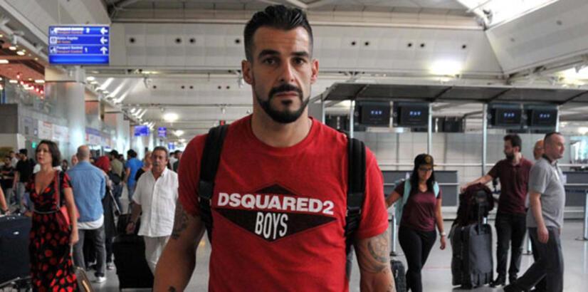 Beşiktaş, Negredo'nun sözleşmesini feshetti