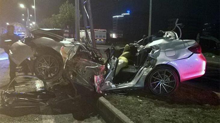 Çok feci kaza! Otomobil bu hale geldi