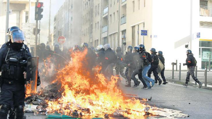 Protestolara polis de katılacak