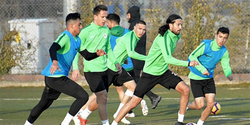 Atiker Konyaspor'da izin bitti