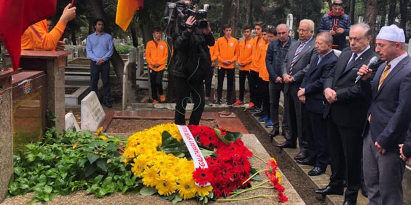 G.Saray, Ali Sami Yen'i mezarı başında andı